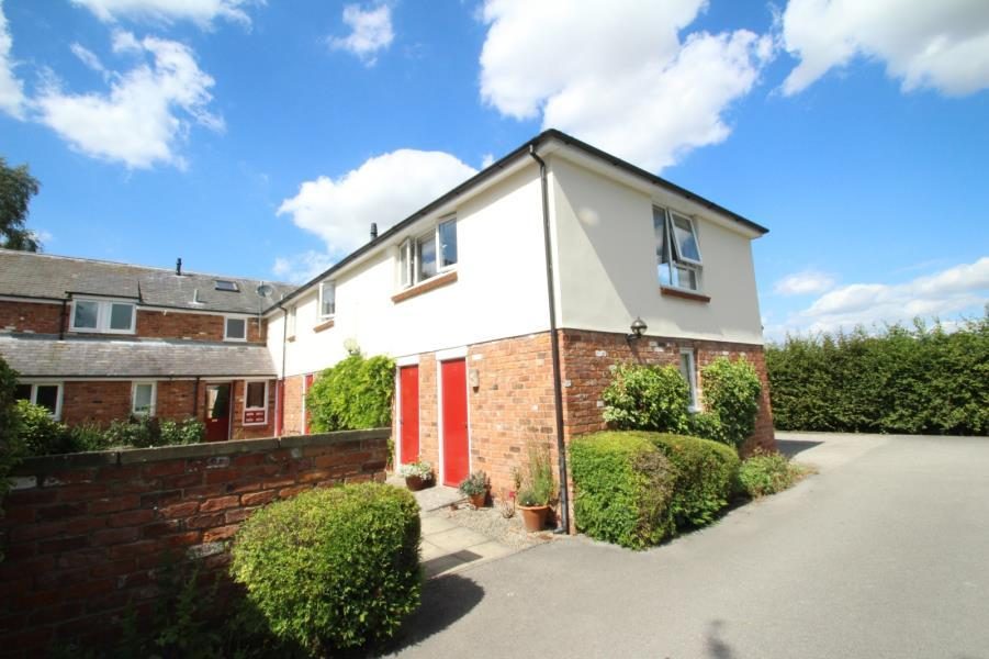 3 Bedrooms Apartment Flat for sale in DERWENT COURT, ESCRICK, YORK, YO19 6JL