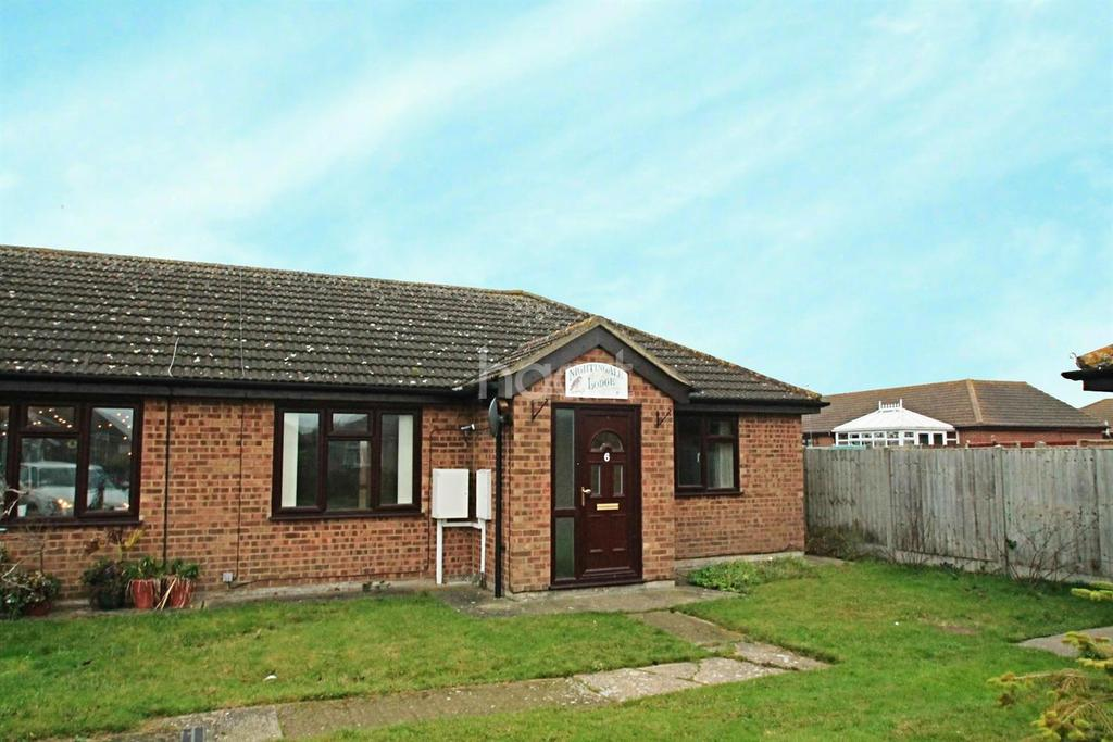 2 Bedrooms Bungalow for sale in The Lilacs