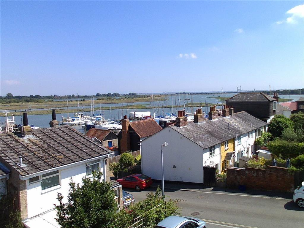 3 Bedrooms House for sale in Downs Road, Maldon, Essex