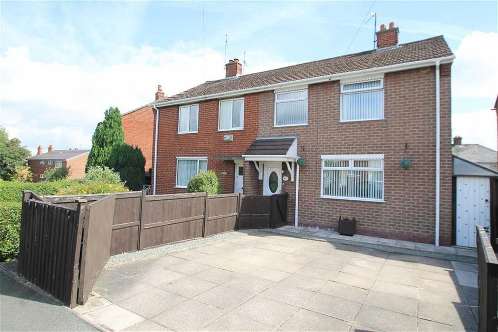 3 Bedrooms Detached House for sale in Fenwick Drive, Wrexham
