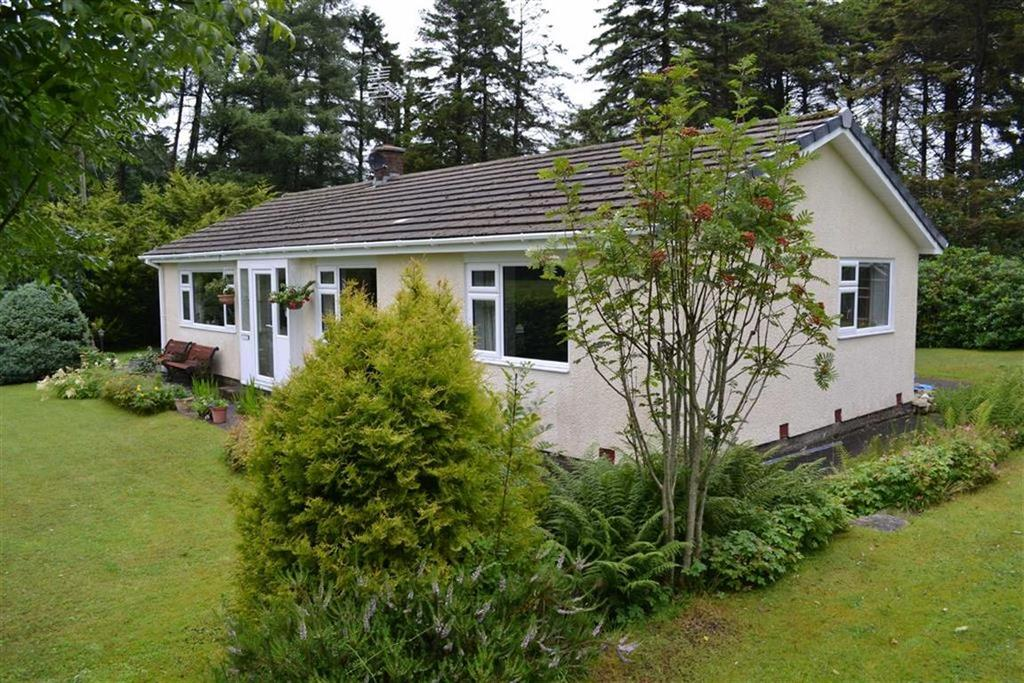 3 Bedrooms Detached Bungalow for sale in Mydroilyn, Ceredigion