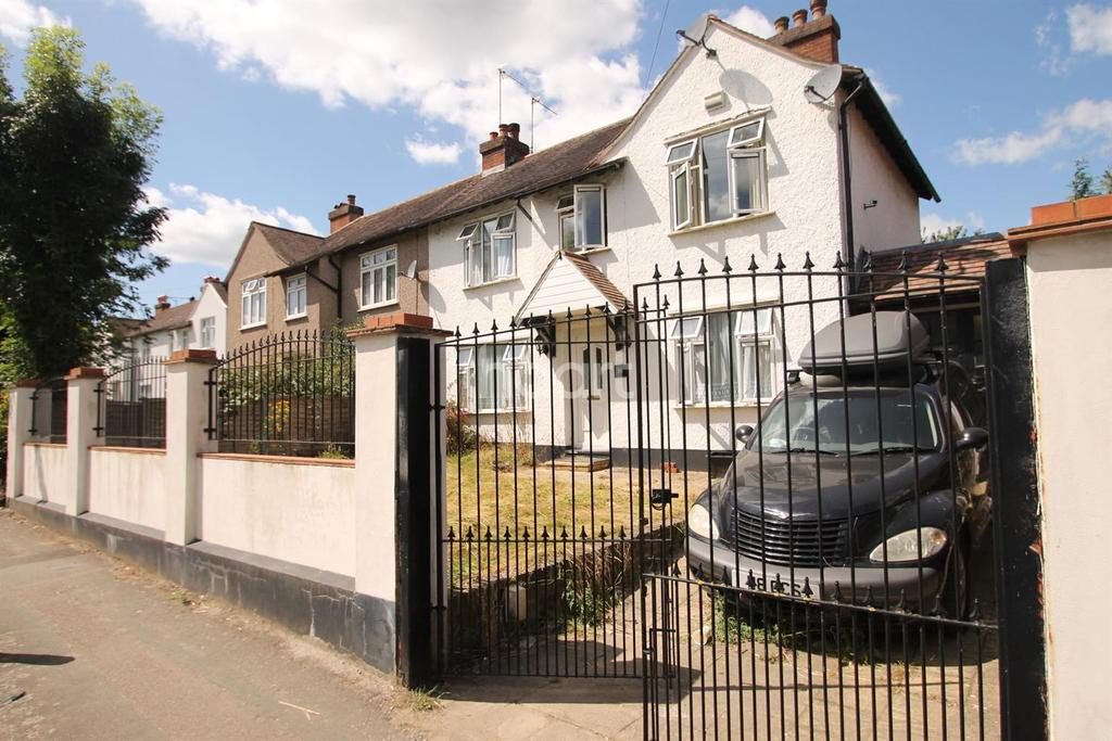 3 Bedrooms Semi Detached House for sale in Bridge Road, Orpington