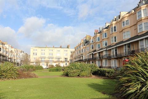 Studio to rent - Bedford Square, Brighton