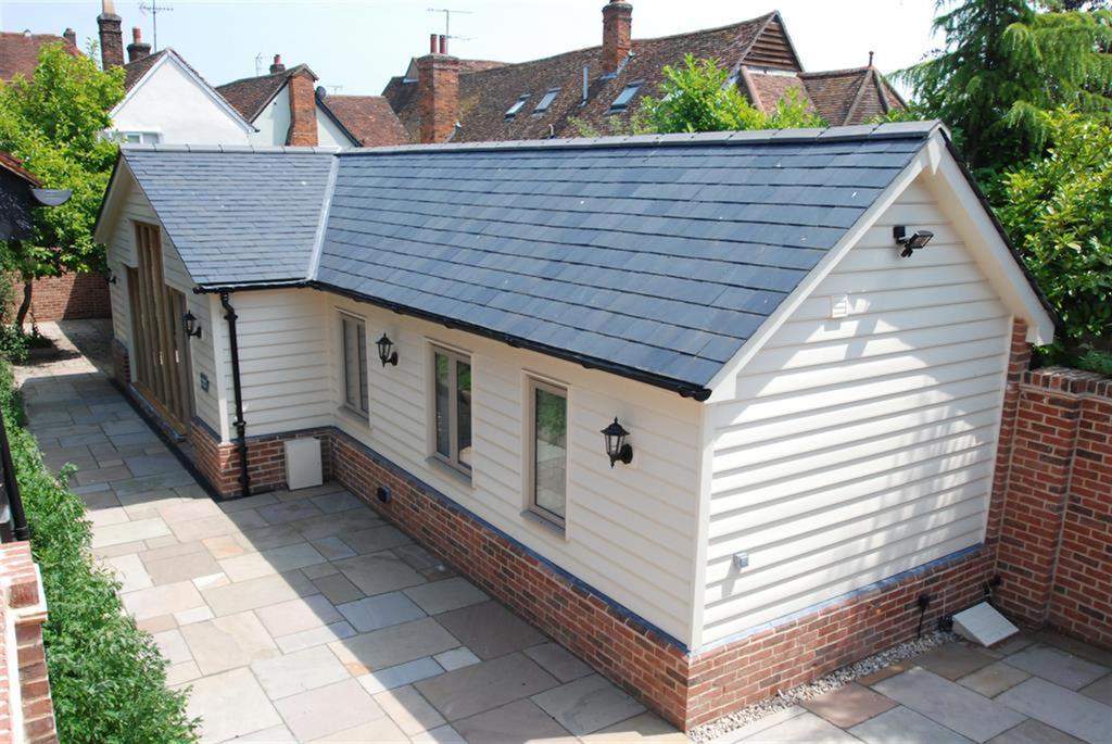 2 Bedrooms Detached Bungalow for sale in Baldock Road, Buntingford