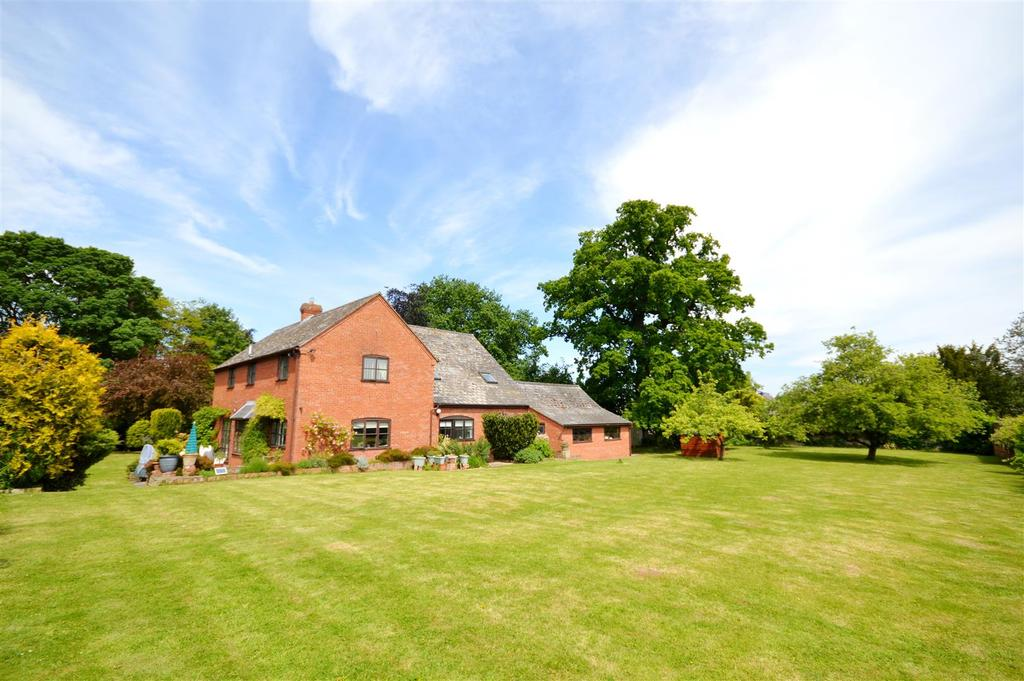 4 Bedrooms Detached House for sale in Pengethley Manor, Peterstow