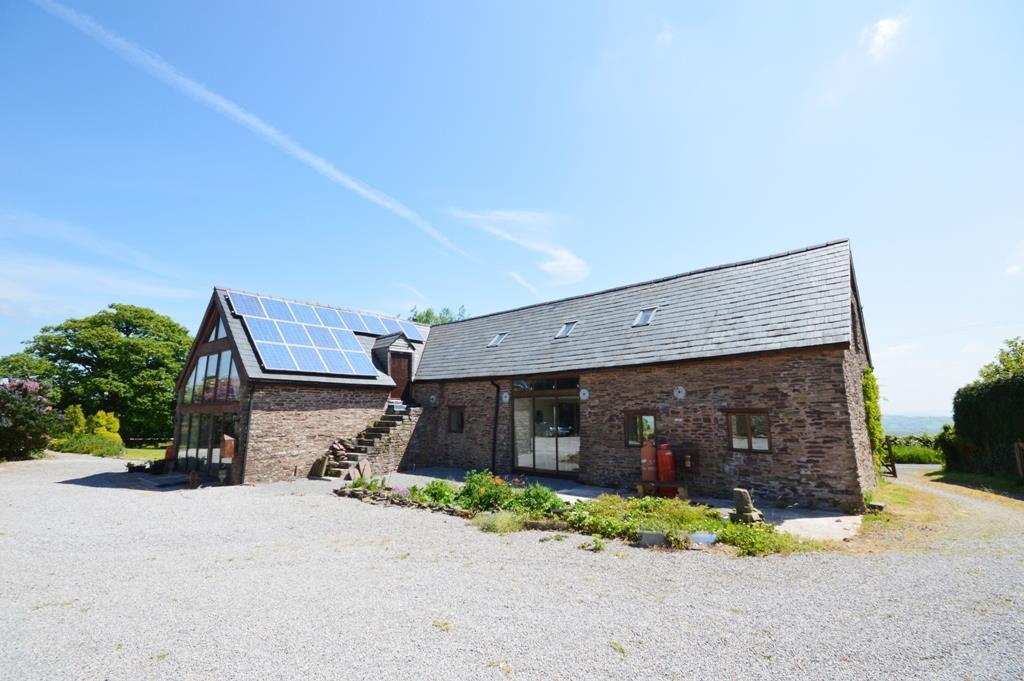 4 Bedrooms Detached House for sale in Llanvihangel Crucorney, Abergavenny