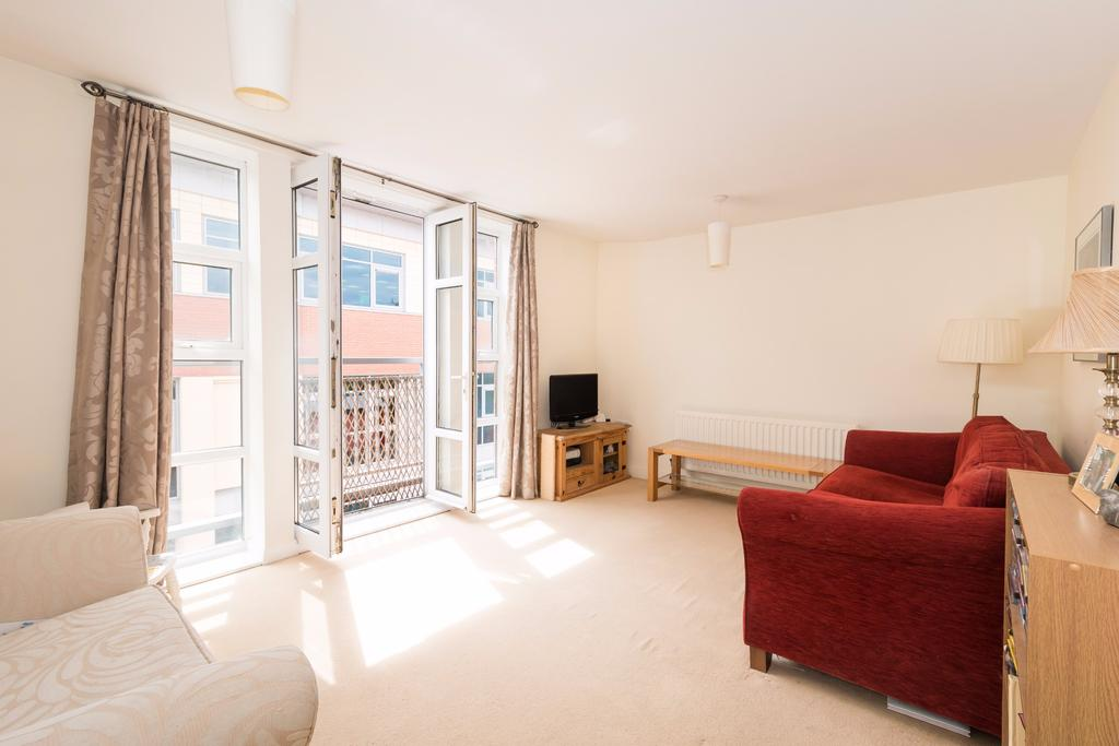 1 Bedroom Apartment Flat for sale in Beaconsfield