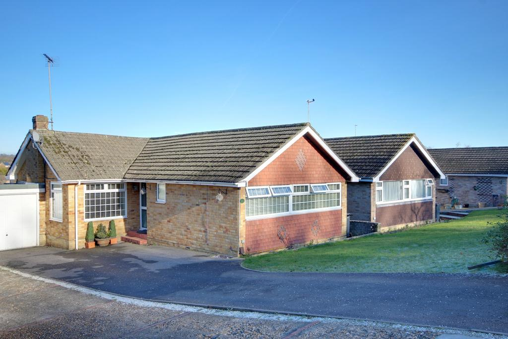 2 Bedrooms Detached Bungalow for sale in WATERLOOVILLE
