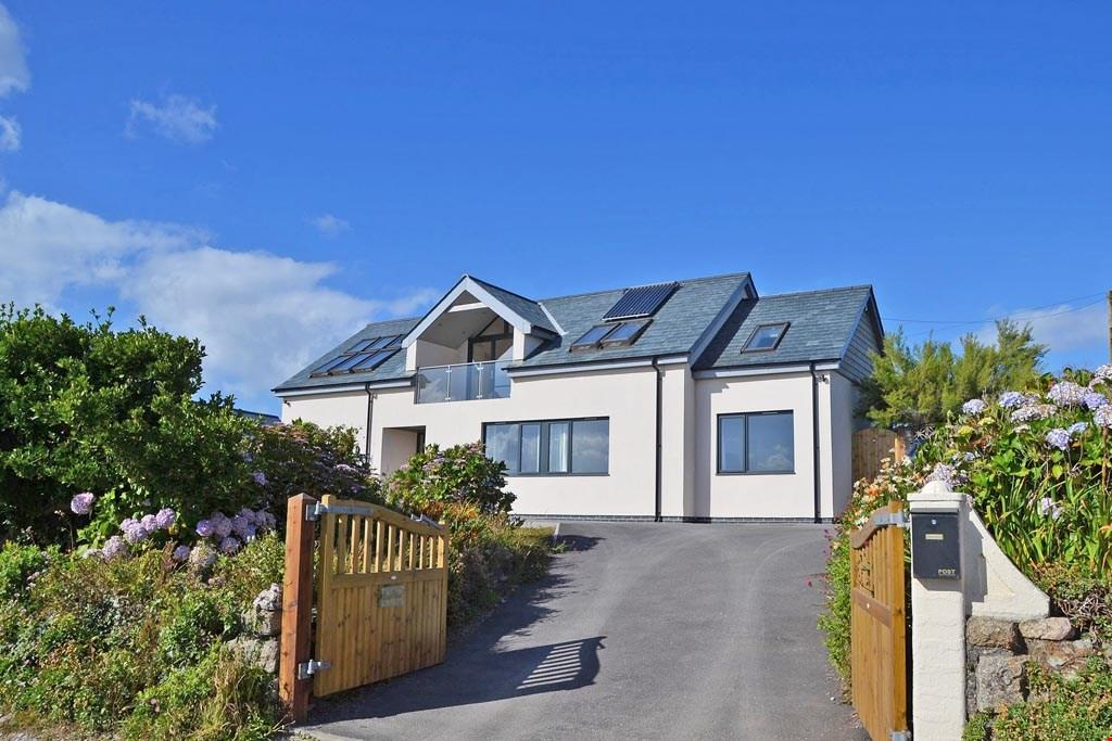 4 Bedrooms Detached House for sale in Porthtowan, Nr. Truro, north Cornish coast, TR4