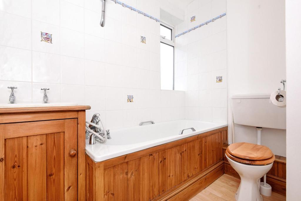 1 Bedroom Flat for sale in Dundonald Road, Wimbledon, SW19