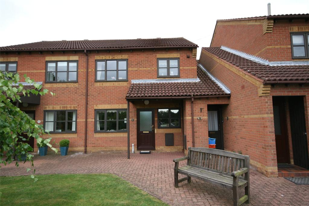 2 Bedrooms Flat for sale in Orchard Court, Waltham, DN37