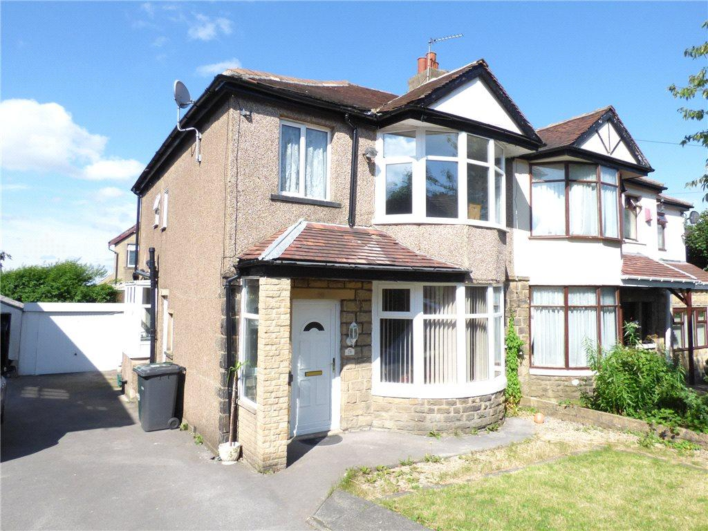 3 Bedrooms Semi Detached House for sale in Duchy Avenue, Heaton, Bradford, West Yorkshire