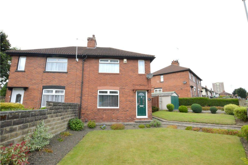 3 Bedrooms Semi Detached House for sale in Park Spring Gardens, Bramley, Leeds