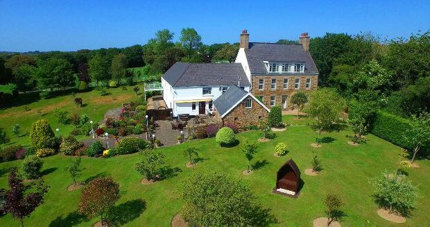 8 Bedrooms Detached House for sale in West Hill, St Helier