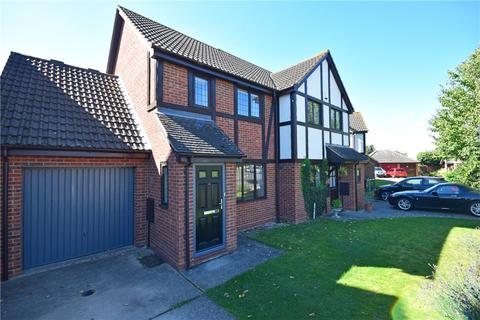 2 bedroom semi-detached house to rent - Martingale Close, Cambridge, Cambridgeshire, CB4