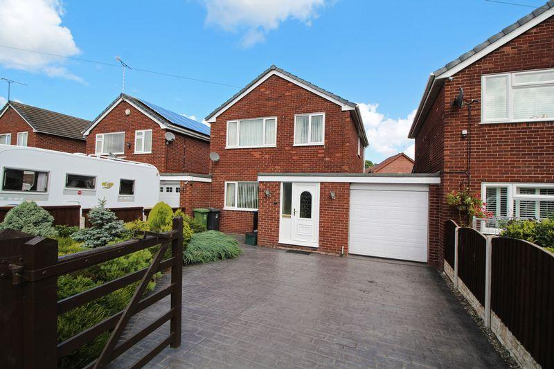 3 Bedrooms Detached House for sale in Linden Avenue, Chirk