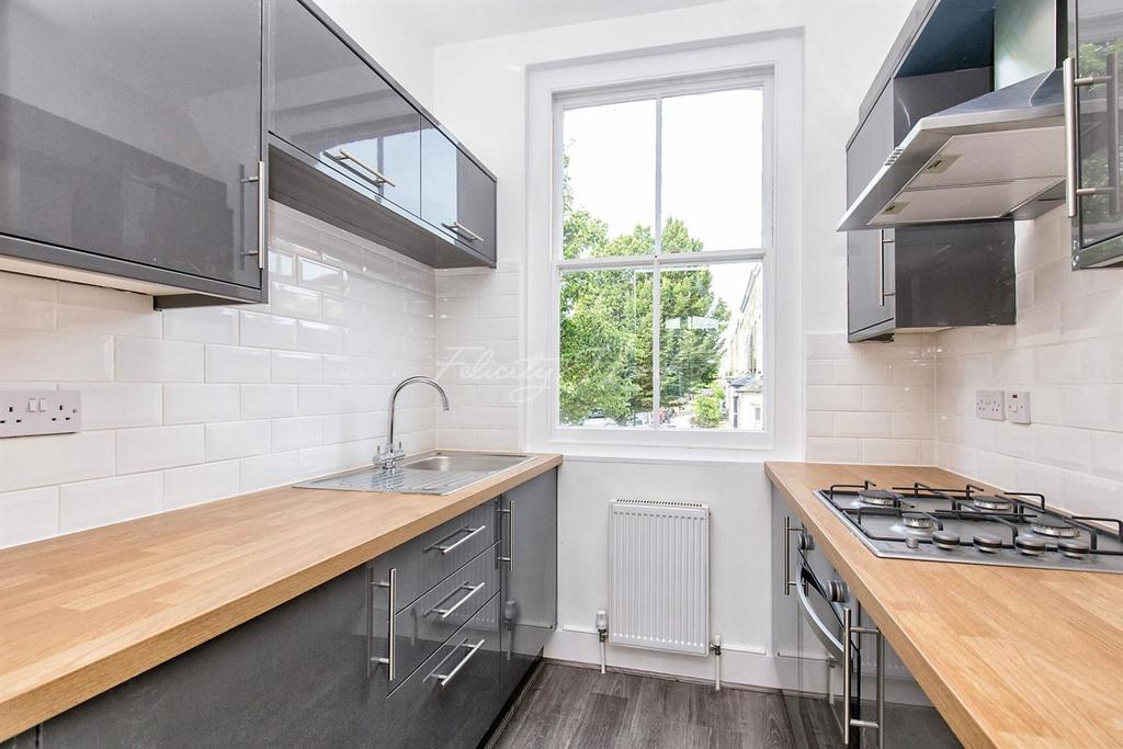 1 Bedroom End Of Terrace House for sale in Clifden Road, Clapton, E5