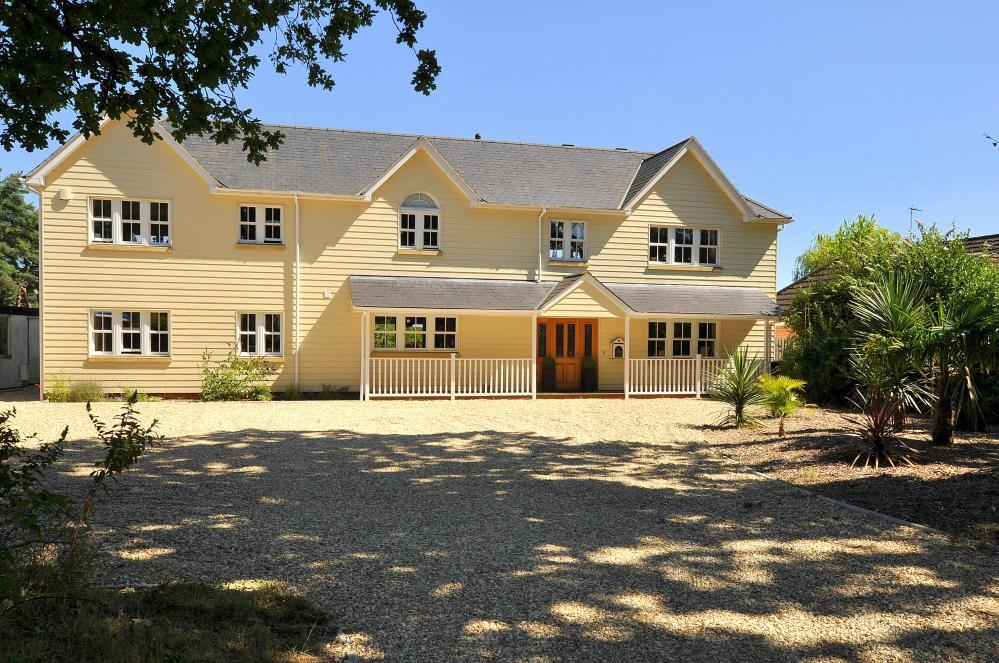6 Bedrooms Detached House for sale in St Leonards, Ringwood, BH24 2QD