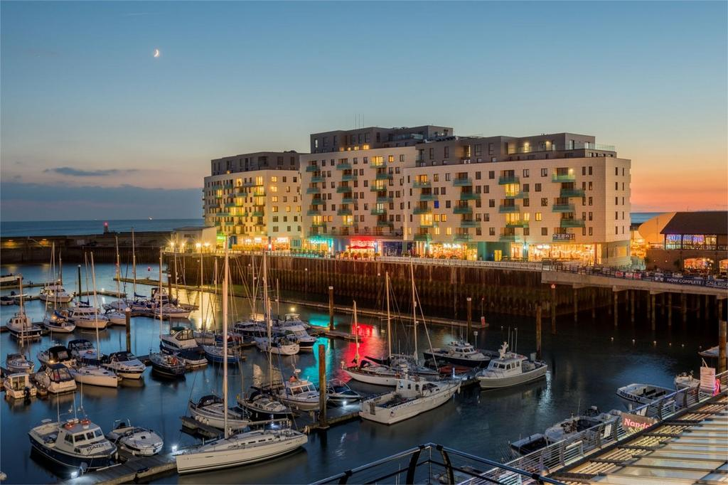 2 Bedrooms Flat for sale in Sirius, The Boardwalk, Brighton Marina, Brighton
