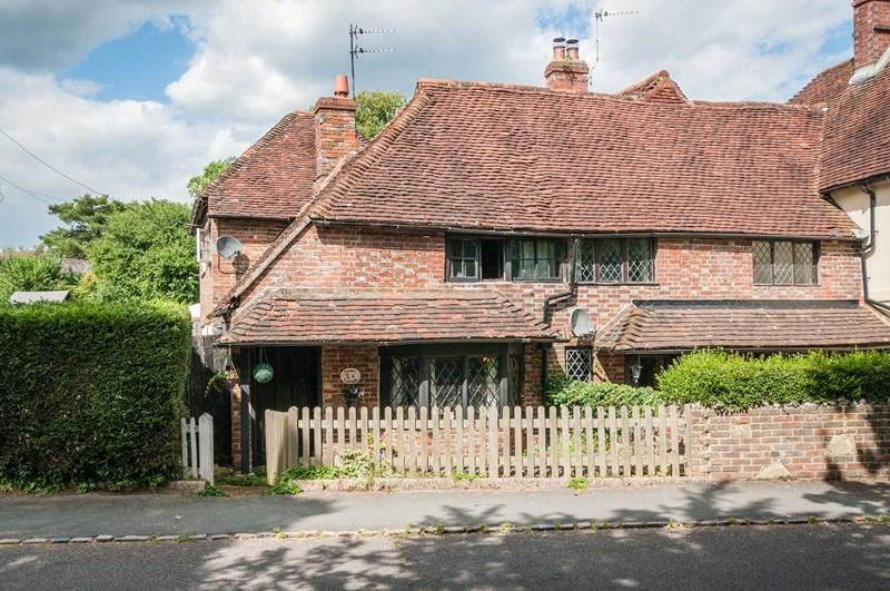 3 Bedrooms End Of Terrace House for sale in Batts Bridge Road, Maresfield, Uckfield