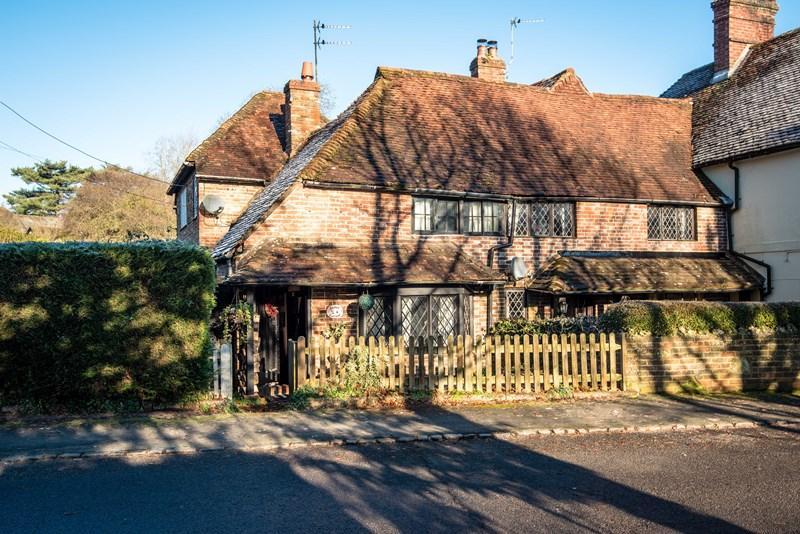 3 Bedrooms End Of Terrace House for sale in Batts Bridge Road, Maresfield, Uckfield