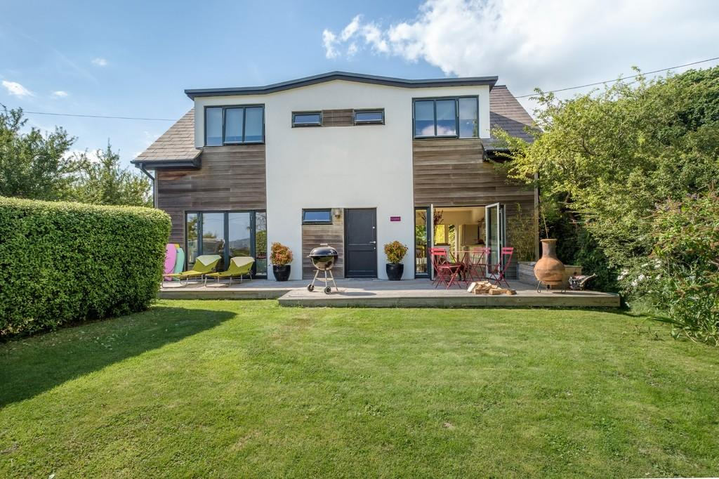 3 Bedrooms Detached House for sale in Hamstead, Isle of Wight