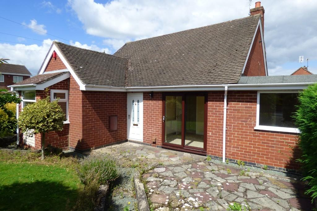 3 Bedrooms Detached Bungalow for sale in Hawthornden Gardens, Uttoxeter, Staffordshire, ST14 7PB