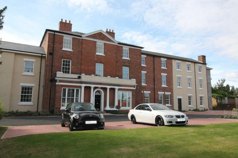 3 Bedrooms Apartment Flat for sale in Haygate Road, Wellington, Telford