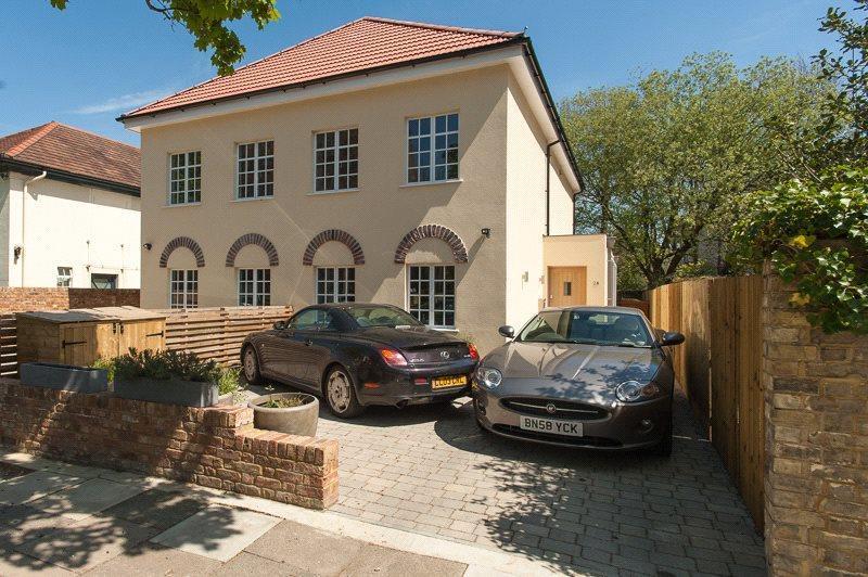5 Bedrooms Semi Detached House for sale in Twickenham