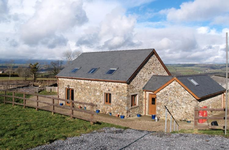 3 Bedrooms Equestrian Facility Character Property for sale in Penlan Barn, Nantycaws, Carmarthenshire SA32 8ER