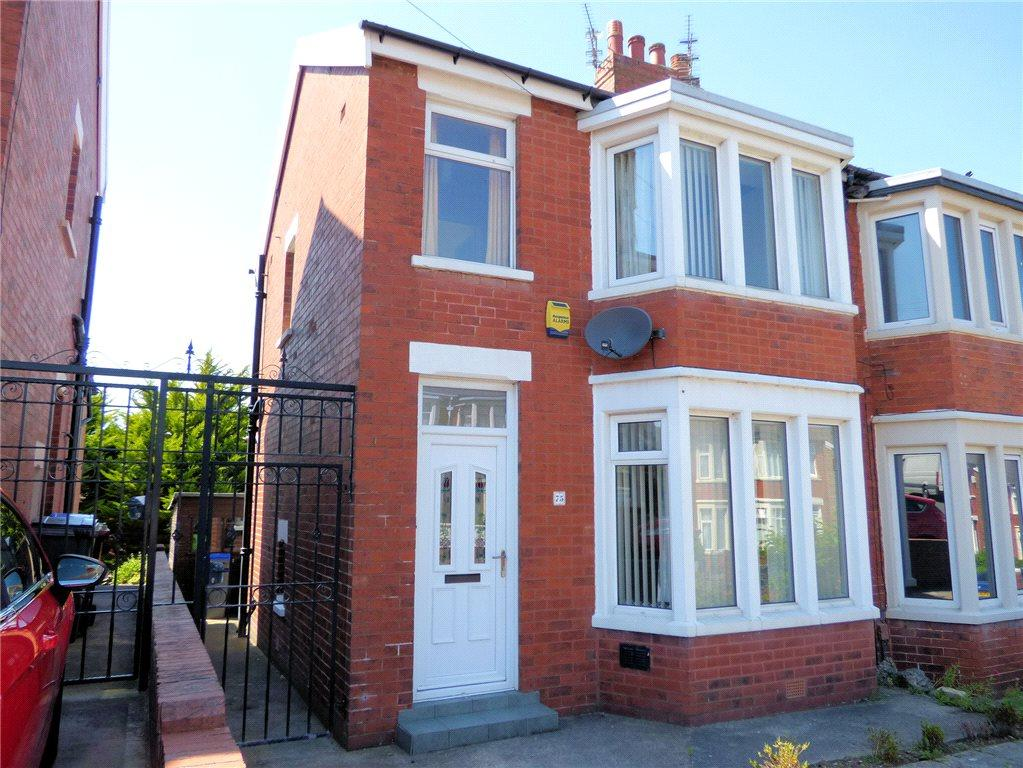 3 Bedrooms Semi Detached House for sale in Torsway Avenue, Layton, Blackpool