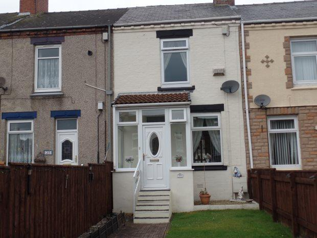 2 Bedrooms Terraced House for sale in SIXTH STREET, BLACKHALL, PETERLEE AREA VILLAGES