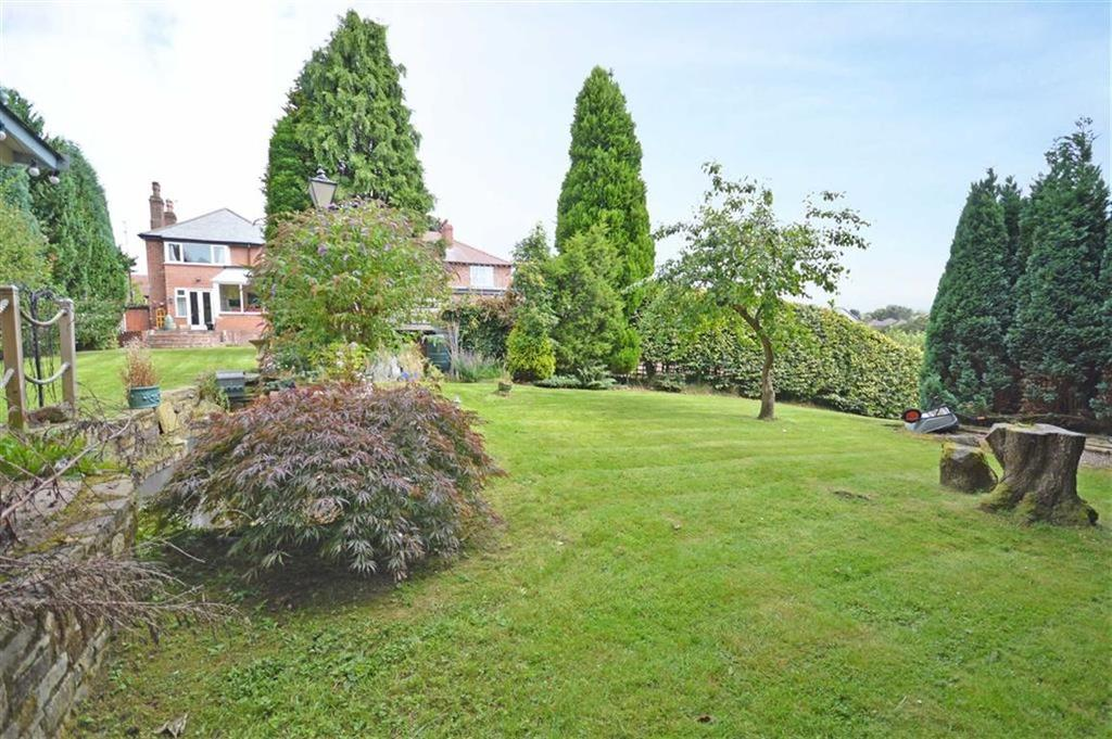 4 Bedrooms Detached House for sale in Kings Road, Hazel Grove, Cheshire