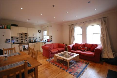 2 bedroom terraced house to rent - Victoria Rise, London