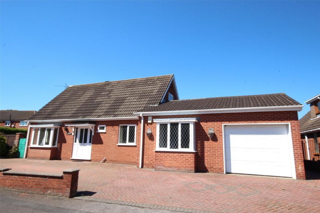 3 Bedrooms Detached Bungalow for sale in Larch Road, Cleethorpes, DN35