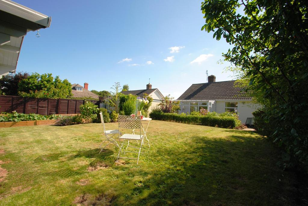3 Bedrooms Bungalow for sale in Laxton Close, Taunton