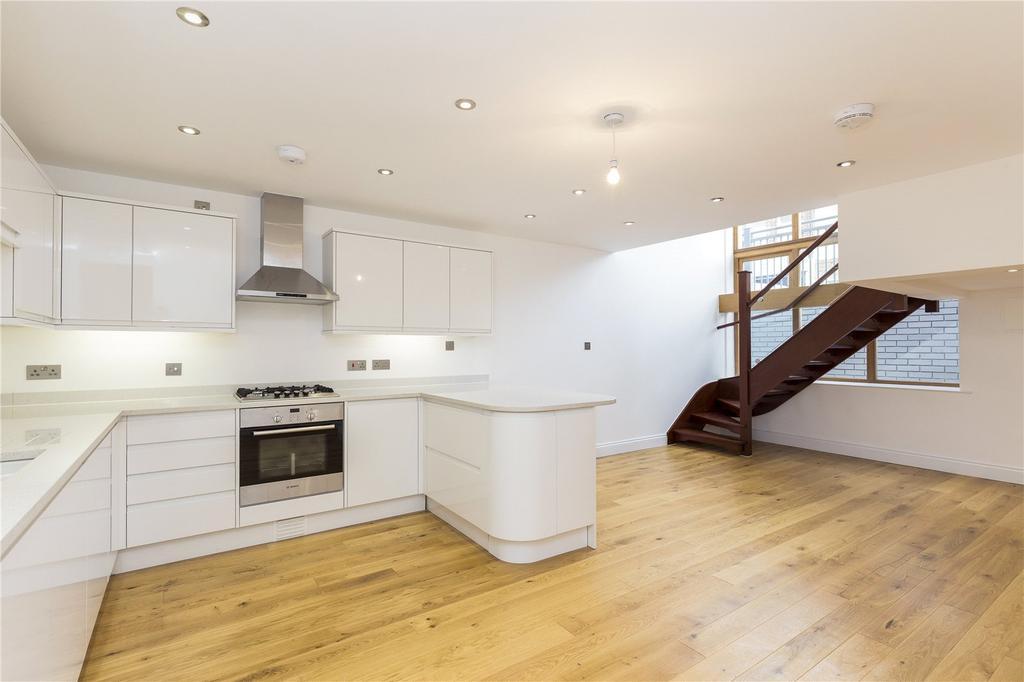 2 Bedrooms Flat for sale in Webb's Road, Battersea, London