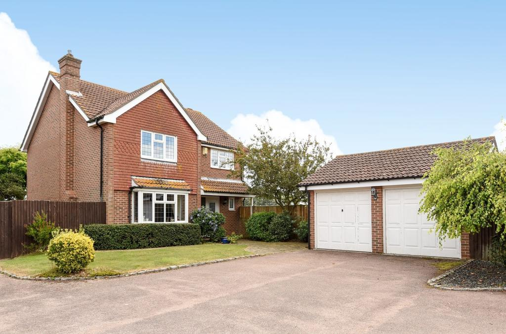 4 Bedrooms Detached House for sale in Apple Tree Walk, Climping, Littlehampton, BN17