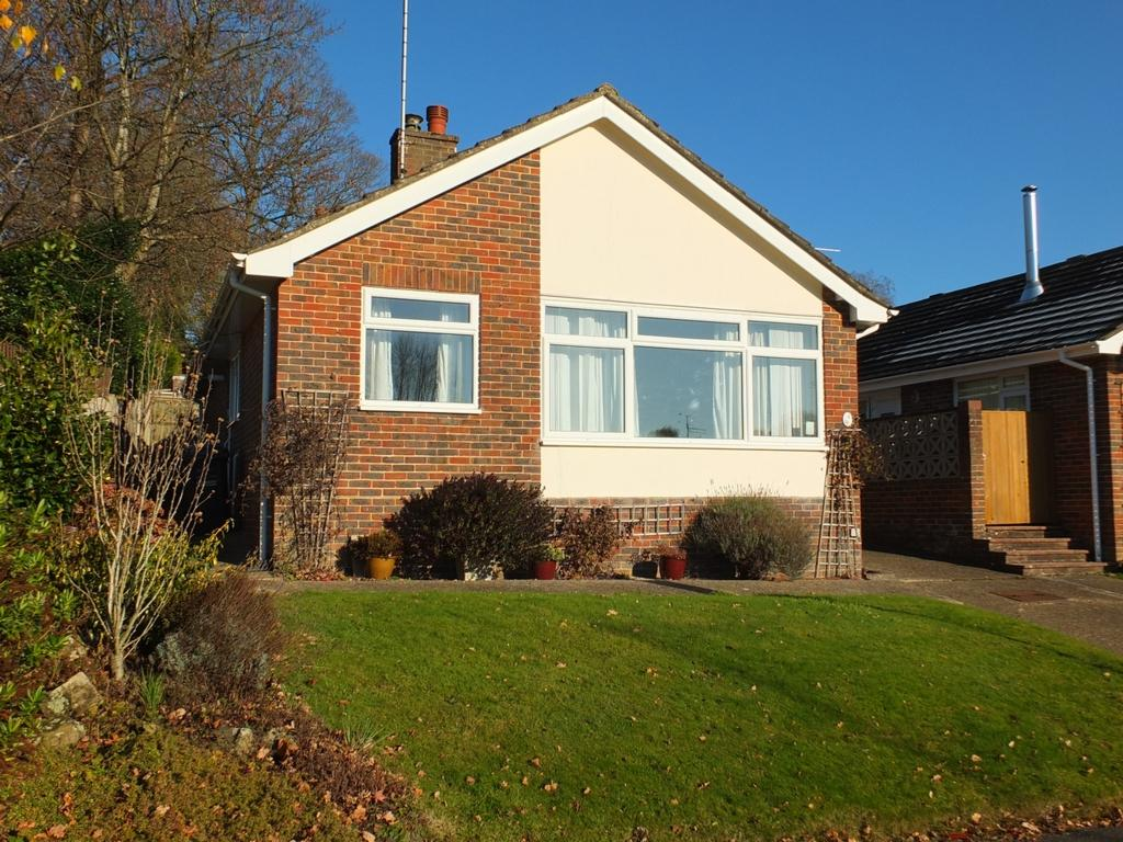 2 Bedrooms Bungalow for sale in Barrington Road, Lindfield, RH16