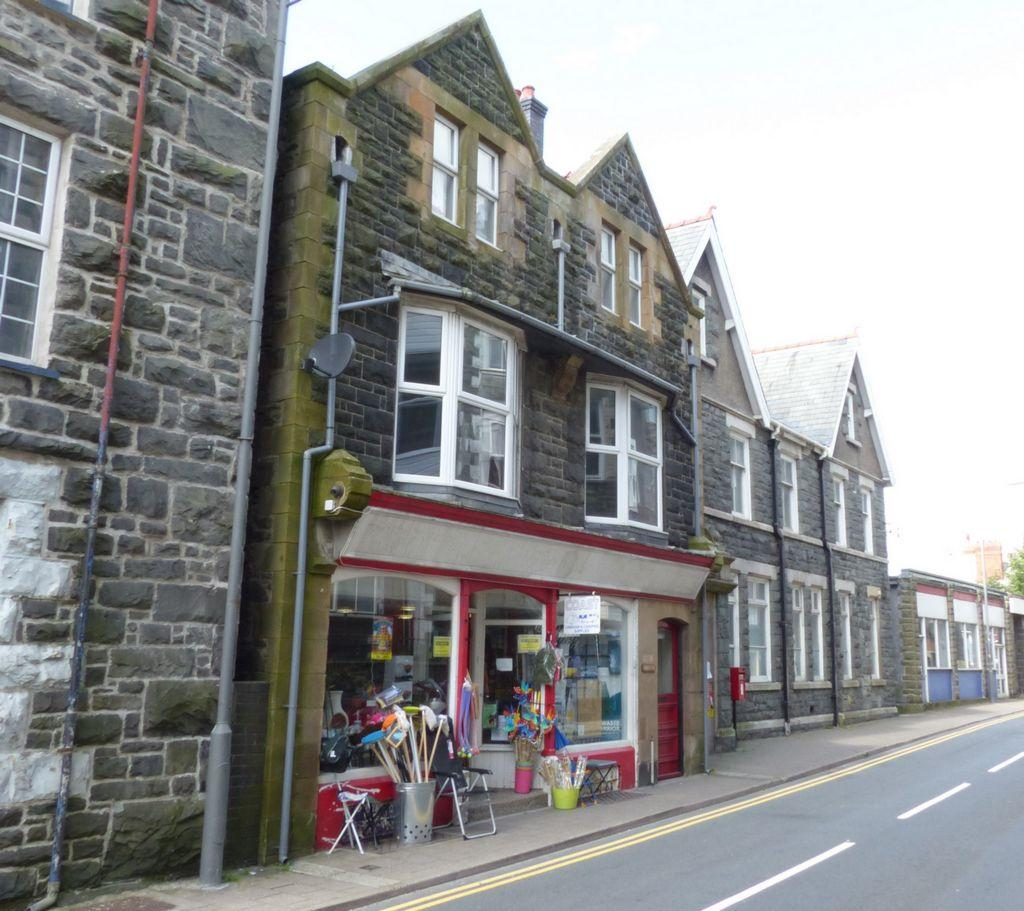 3 Bedrooms Maisonette Flat for sale in King Edward Street, Barmouth, LL42