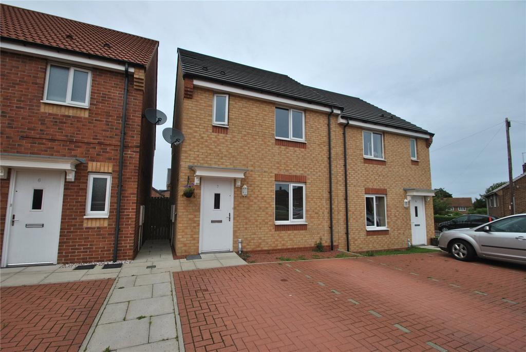 3 Bedrooms Semi Detached House for sale in Mariners Way, Seaham, Co Durham, SR7