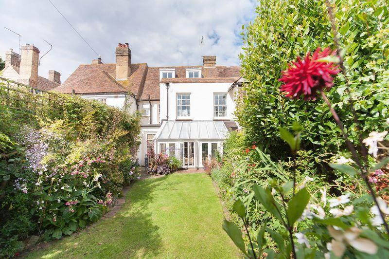 4 Bedrooms Terraced House for sale in Sandwich