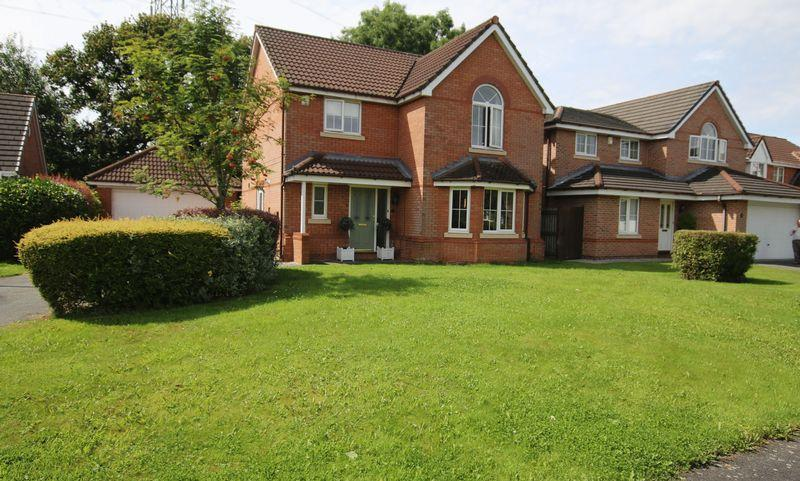 4 Bedrooms Detached House for sale in Moorfield Close, Penwortham