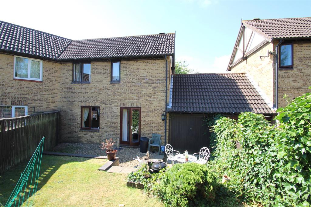 2 Bedrooms Semi Detached House for sale in Petworth, Great Holm, Milton Keynes