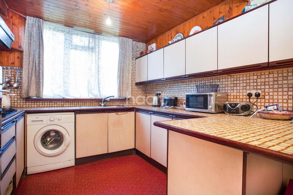 4 Bedrooms Terraced House for sale in Hickmore Walk, Clapham, SW4
