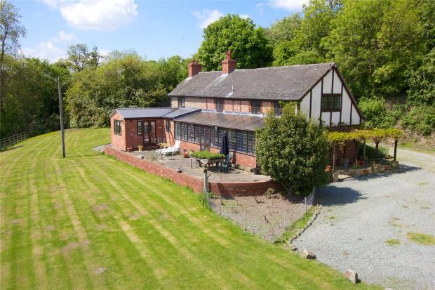 5 Bedrooms Detached House for sale in Bausley Hill Farm With 11 Acres, Bausley, Crew Green