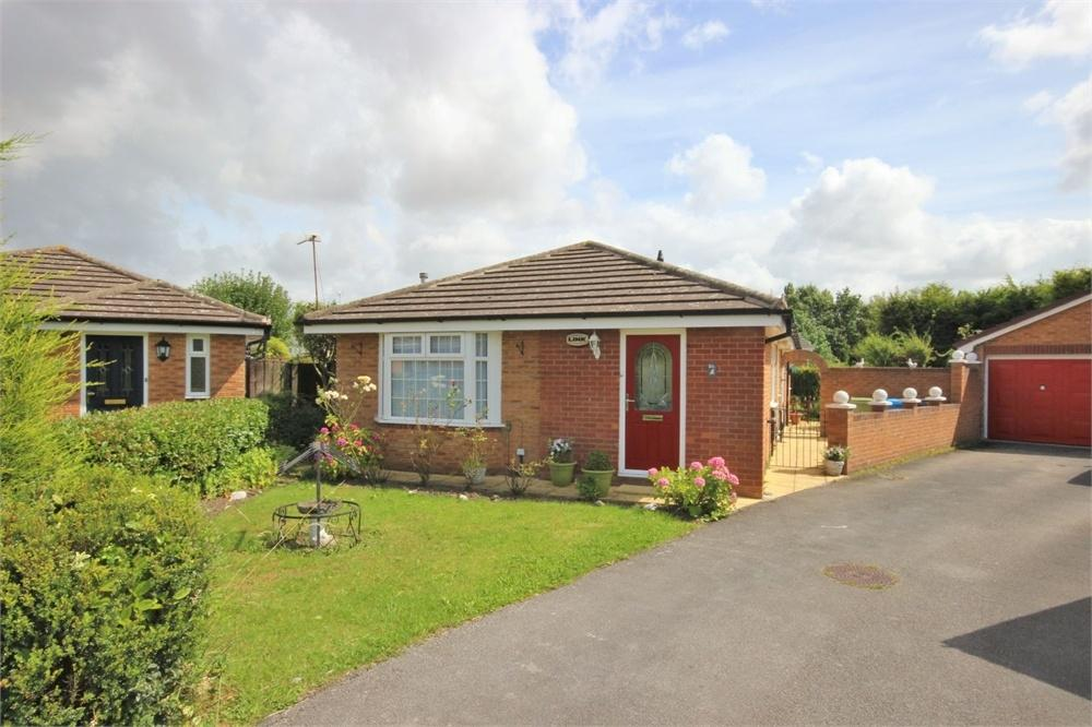 3 Bedrooms Detached Bungalow for sale in Lessingham Road, WIDNES, Cheshire