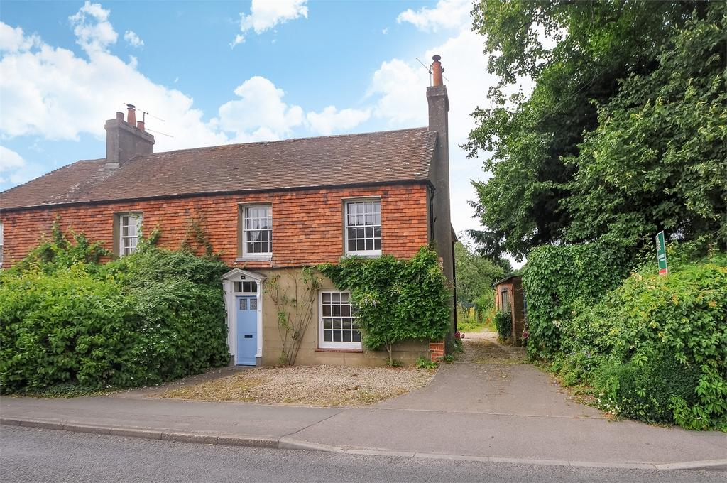 3 Bedrooms Semi Detached House for sale in Overton, Basingstoke, Hampshire