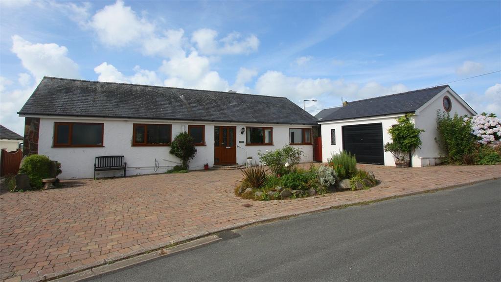 3 Bedrooms Detached Bungalow for sale in Cuddfa, Llandanwg, Gwynedd