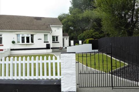 2 bedroom semi-detached bungalow for sale - Bronvair Brynheulog , Brynmenyn, Bridgend. CF32 9HP